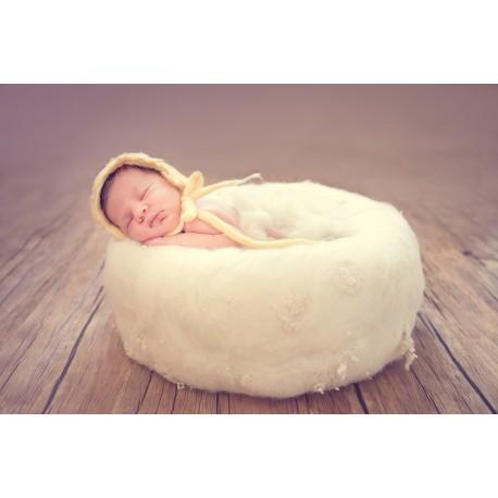 Fotografiranje novorojenčka s fotoknjigo